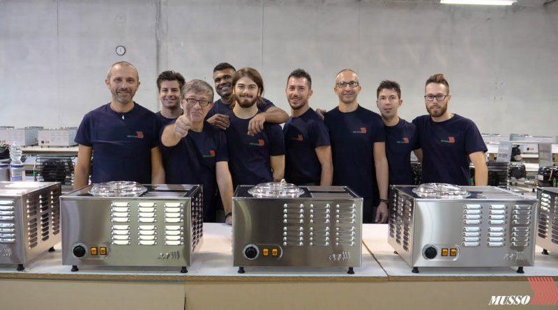 L'équipe du fabricant de machines à glaces italien Musso